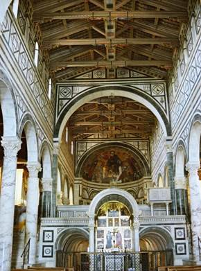 http://upload.wikimedia.org/wikipedia/commons/6/6f/San_Miniato_al_Monte_Florence_Italy.jpg